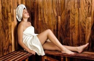 kvinde i sauna