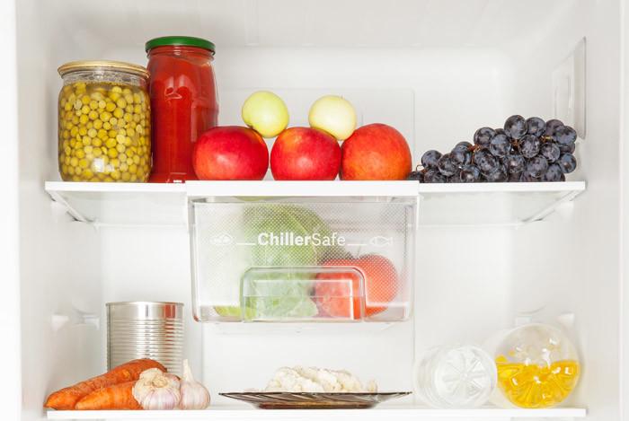 køleskab med madvarer