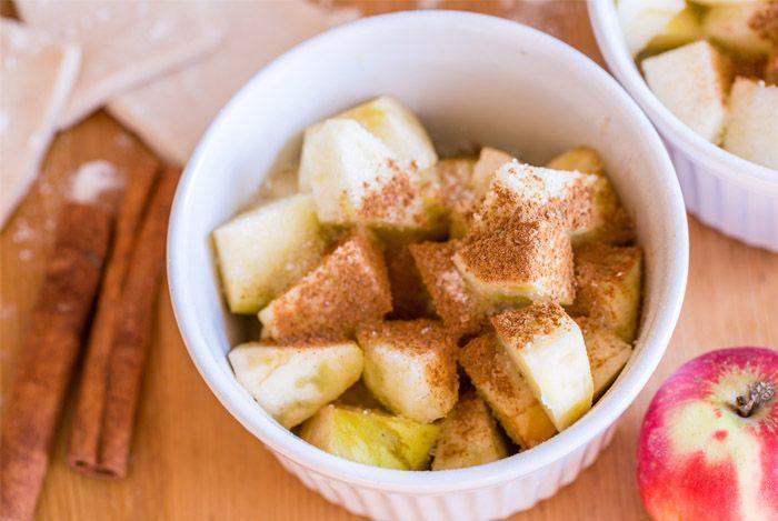æblekage med kanel